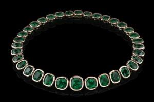 Angelina-Jolie-Emerald-Necklace
