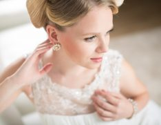 bride wedding dress jewelry